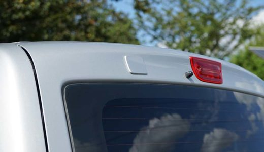 NV200 リアアンダーミラーの取り外しとホールカバーの貼り付け