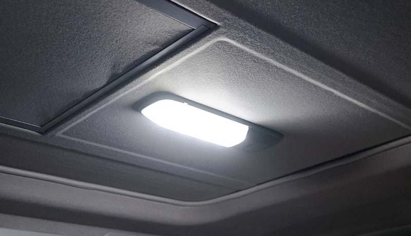 蛍光灯のルームランプ、室内灯をLEDに交換