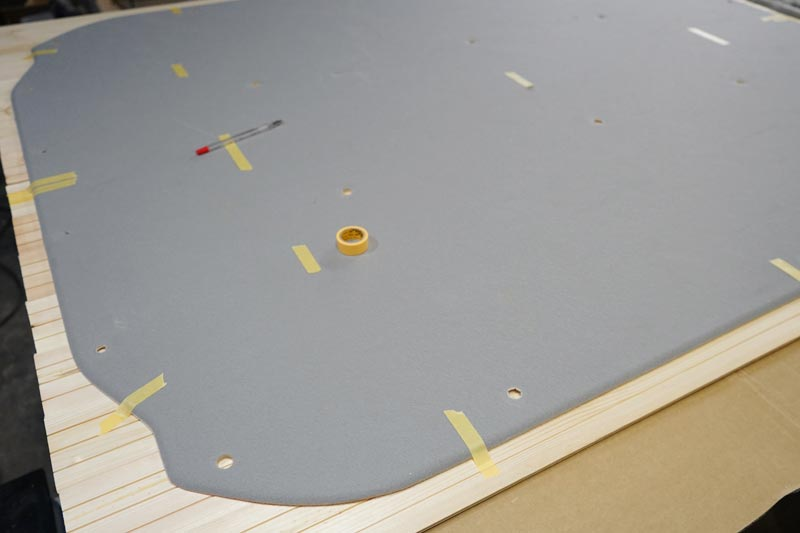 車の天井用の羽目板の型取り
