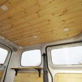 車内に張った羽目板を水性ステインとクリアーペーストグレーズで塗装