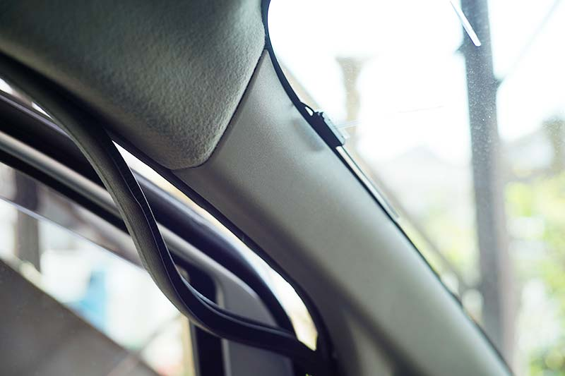NV200 ピラートリム外し方