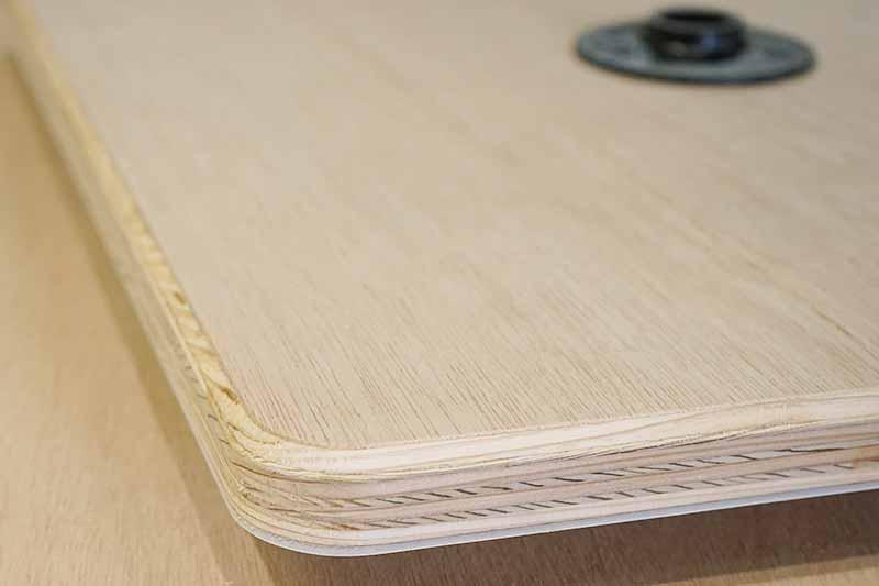 テーブル製作 トリマーで面取り加工